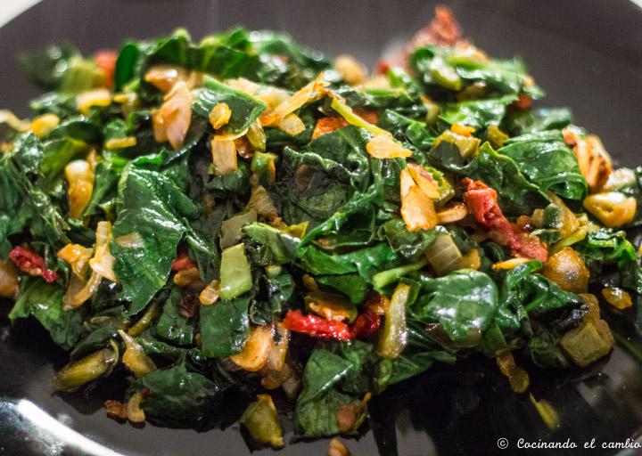Salteado de espinacas cocinando el cambio for Cocinando el cambio