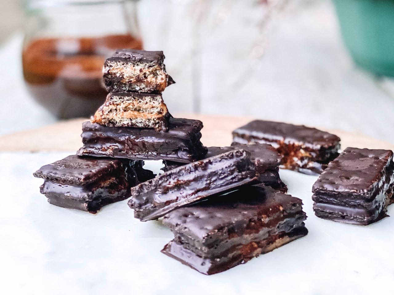 Beneficios del chocolate negro (receta de huesitos saludables)