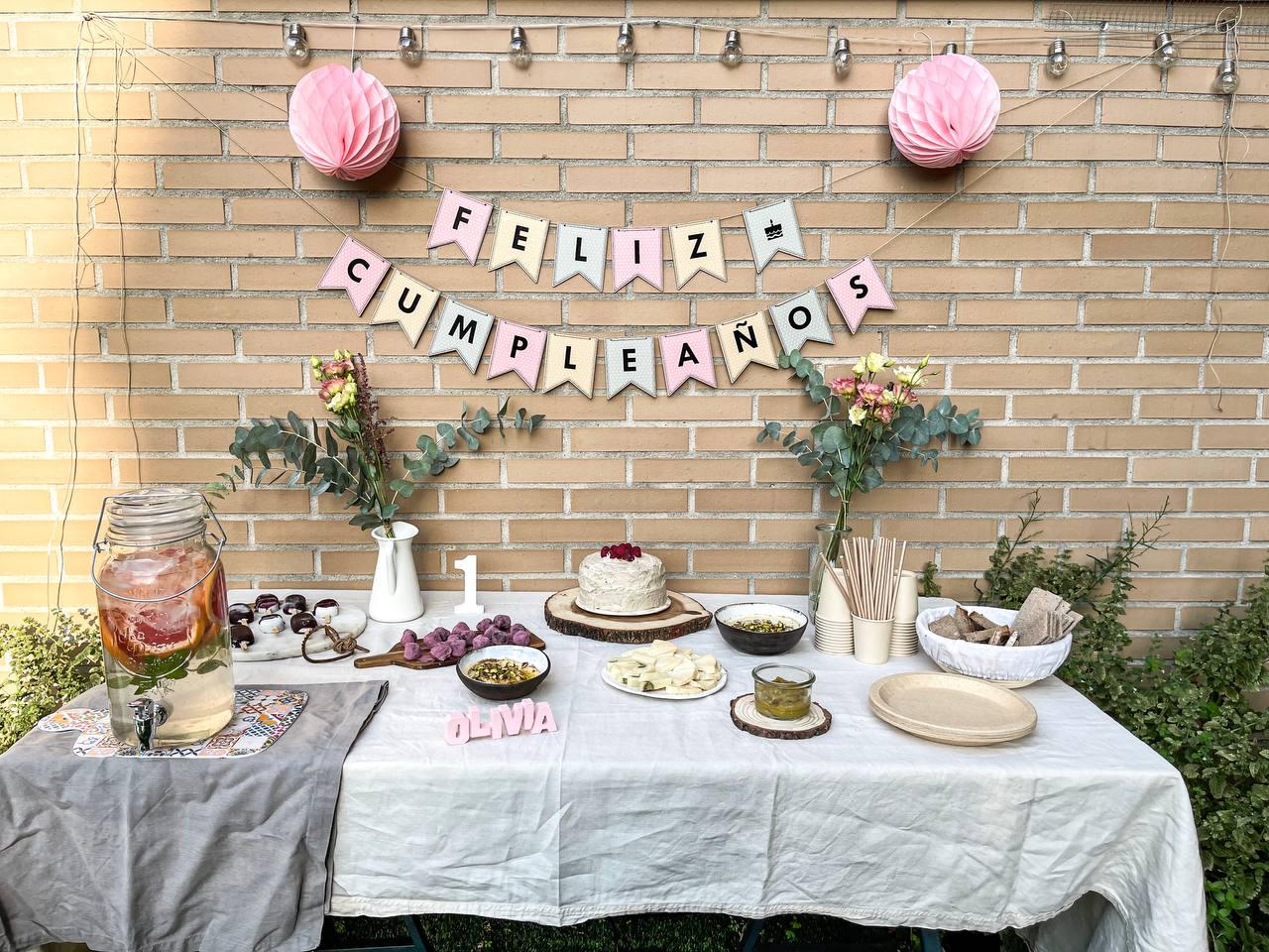 Decoración y tarta primer cumpleaños
